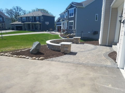 Prior Lake patio and Landscaping.